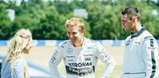 Martin Kaymer et Nico Rosberg s'affronte dans le défi Mercedes : The Perfect Drive