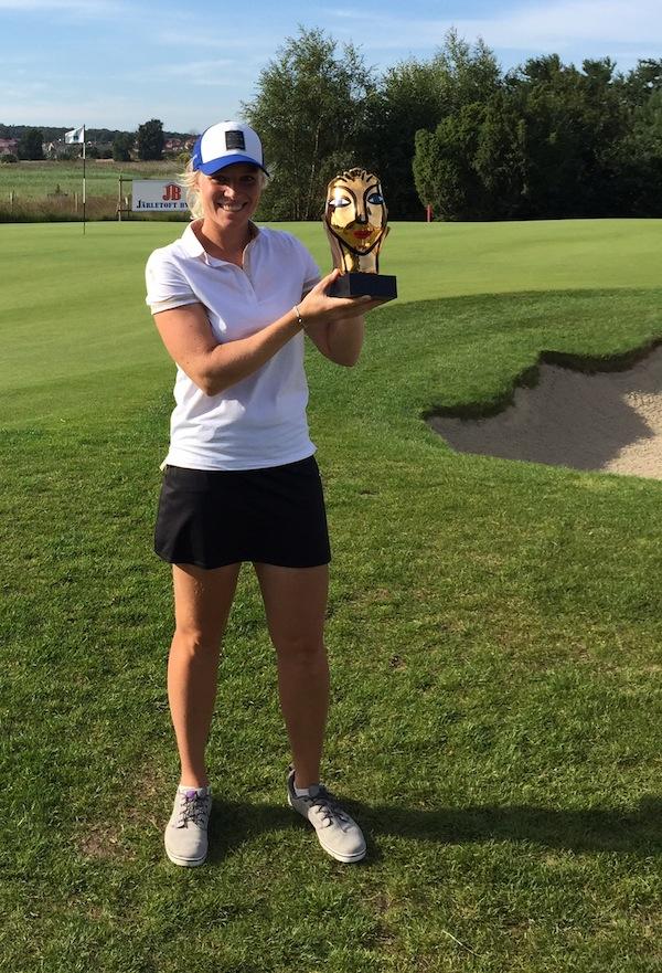 Août 2015 - Première victoire professionelle pour Ariane - Solvesbörg Ladies Open (LETAS)